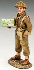 KING & COUNTRY D DAY DD170 BRITISH INFANTRY OFFICER WITH MAP MIB