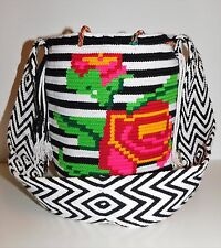 AUTHENTIC MOCHILA WAYUU / MEDIUM SIZE / FINEST QUALITY / HANDMADE BAG/NEW