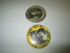 Lot of 2 Vintage Pinback Button Pin Duluth Zoo Lake Superior Zoological Gardens