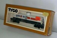 UNION 76 GASOLINE TANKER CAR (TYCO HO TRAINS)