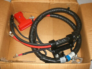 2004 ?  Ford Expedition Lincolin Battery cable 4L1Z14300BA New
