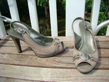 ANN KLEIN AK LEATHER GRAY TAUPE LION HEAD ACCENT OPEN TOE SEXY HIGH HEELS 8 M