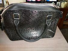 Black Guess Handbag Purse Side pocket Double handle Zipper Closure NICE