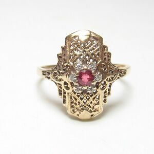 1930s Vintage 10K Yellow Gold 0.25 Ct Natural Red Ruby Diamond Filigree Ring