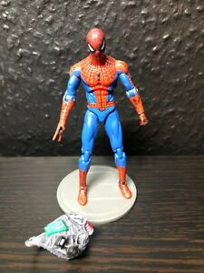 Spiderman - Marvel Universe Infinite - 1/18  10cm