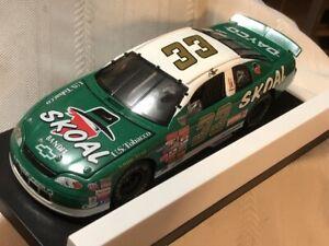 NASCAR Diecast 1/24 scale #33 KEN SCHRADER Skoal Bandit 1998 Chevy Monte Carlo