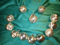 ~ 12 antike Christbaumkugeln Glas silber weiß alter Christbaumschmuck Vintage ~