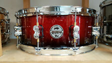 "DW PDP Snare Drum 14x5,5"" Red to Black Sparkle Lackiert / Rullante Maple"