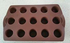Moule silicone tupperware à 15 mini bouchée muffins ou moelleux  couleur marron