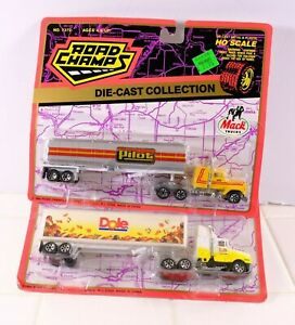 New Road Champs Kenworth Dole & Mack Die-Cast Collection 1:87 Model Semi Trucks