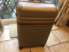 Samsonite Individual very rare large size 4 wheel spinner suitcase.