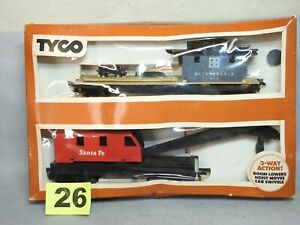 TYCO HO SCALE #932 OPERATING CRANE CAR WITH BOOM TENDER NEW