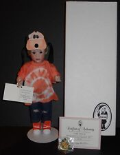 WENDY LAWTON-A GOOFY LITTLE KID,NMIB 1993 WALT DISNEY DOLL& TEDDYBEAR CONVENTION