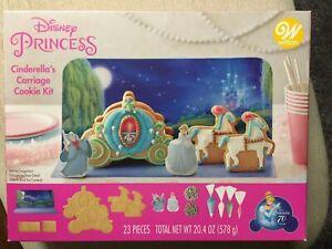 Wilton Disney Gingerbread House Kit Princess Cinderella's Carriage Cookie NEW!