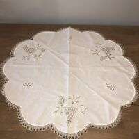"Vintage Mid Century Embroidered Linen Tablecloth Topper 33"" Rd Grapes Butterfly"