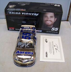 1:24 ACTION 2014 #55 AARON'S COLOR CHROME BRIAN VICKERS MWR AUTOGRAPHED 1/36