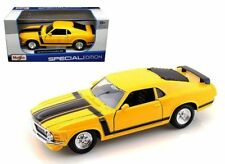 Maisto 1970 Ford Mustang Boss 302 Diecast Car Special Edition Yellow 1:24