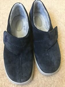 WOMENS WRAP SUEDE SLIPPERS BY HOTTER SHOES -FAUX FUR LINING -SIZE 6 BLUE