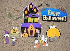 Teacher Resource: Peanuts and the Gang Halloween Mini Bulletin Board Set
