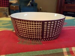 """4 cup Ceramic Dog Bowls """"Carved"""" by Boots & Barkley™ Anti-Skid Bottom Purple"""