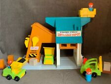 Vintage 1976 Fisher Price Play Family Lift and Load Depot 942