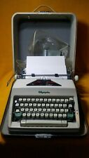VINTAGE NICE OLYMPIA SM9 PORTABLE TYPEWRITER WITH ORIGINAL CASE WITH KEY & MORE