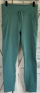 NWT Fabletics High-Waisted Green Moisture-Wicking Athletic Pants Women Sz M/8