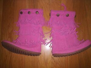 Minnetonka Child's 3 Layer Fringe Hot Pink Boot - Sz 8