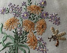 BEAUTIFUL VINTAGE LINEN HAND EMBROIDERED TABLECLOTH~FLORAL BOUQUETS & BEES