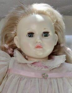 "1977 Suzanne Gibson 22"" Baby doll in original clothing, sleep eyes, vinyl/cloth"