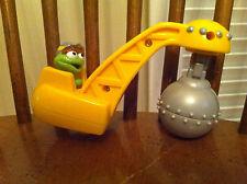 2000 Mattel Sesame Street Oscar the Grouch construction vehicle wrecking ball