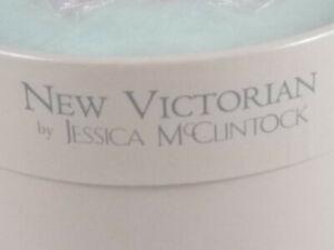NEW VICTORIAN  by Jessica McClintock 2.0 oz Perfumed Body Powder for Women