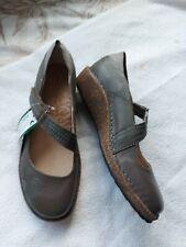 Aetrex Ladies Grey Leather Mary Jane Style Shoes Size 8 Unworn