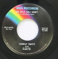 Country 45 Conway Twitty - She Did-It Did-I Didn'T / This Time I'Ve Hurt Her Mor