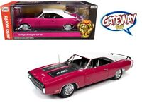 AutoWorld 1:18 1970 Dodge Charger R/T SE 440 HardTop Model Panther Pink AMM1215