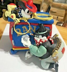 Disney BEAGLE BOY Burgling BANK SAFE.....MICKEY Watching