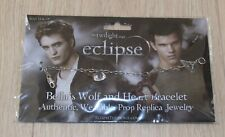 The Twilight Saga Eclipse - Bella's Wolf and Heart Bracelet by NECA