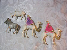 "CHRISTMAS PLASTIC NATIVITY 4"" WISE MEN  WTH DONKEY & SHEEP FIGURES VINTAGE    T*"