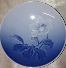 """BING & GRONDAHL CHRISTMAS ROSE BUTTER PAT 4.25"""" DISH #332 FLOWER IN CENTER BLUE"""
