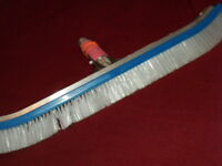 POOL BRUSH 18 INCHES BRAND NEW... E1