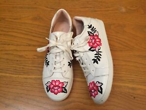 KATE SPADE NEW YORK EVERHART EMBROIDERED LEATHER WHITE SNEAKERS NWOB SIZE 9.5