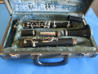 Vintage CONN DIRECTOR CLARINET MADE USA HARDSIDE CASE GVC