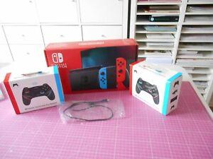 Nintendo Switch 32 Go Console avec Paire de Joy-Con - Bleu/Rouge
