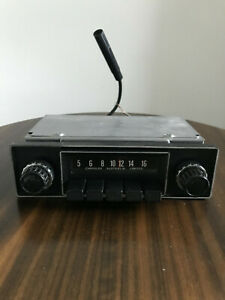 VINTAGE CHRYSLER CAR RADIO - WORKING - RARE