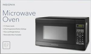 Insignia NS-7CM6-BK 0.7Cu.Ft. Microwave Oven - Black