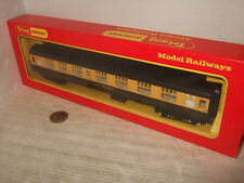 Hornby R931 GWR Composite Coach No 5015 with Seating, for OO Gauge