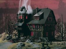 Vollmer 47679 N Villa Vampire with Red Flickering Light and Color Tablets # NIP