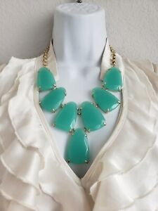EUC Kendra Scott Green Light Chain Necklace Hook and Eye Clasp w/ Signature