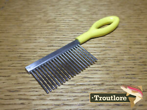 LOON OUTDOORS ERGO COMB - NEW FLY TYING FLY FISHING TOOLS