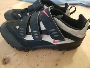 Nike Kato III Women Size 6 Cycling Shoes, Very Good Condition